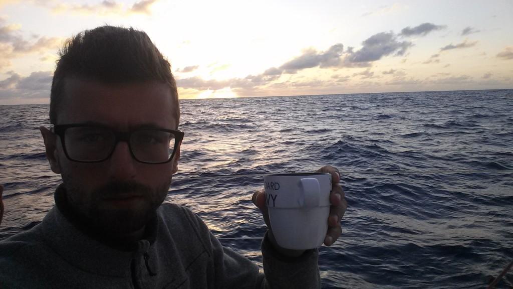 Poranna witaj zmiano! Jest kawa, jakoś się dojedzie do końca.