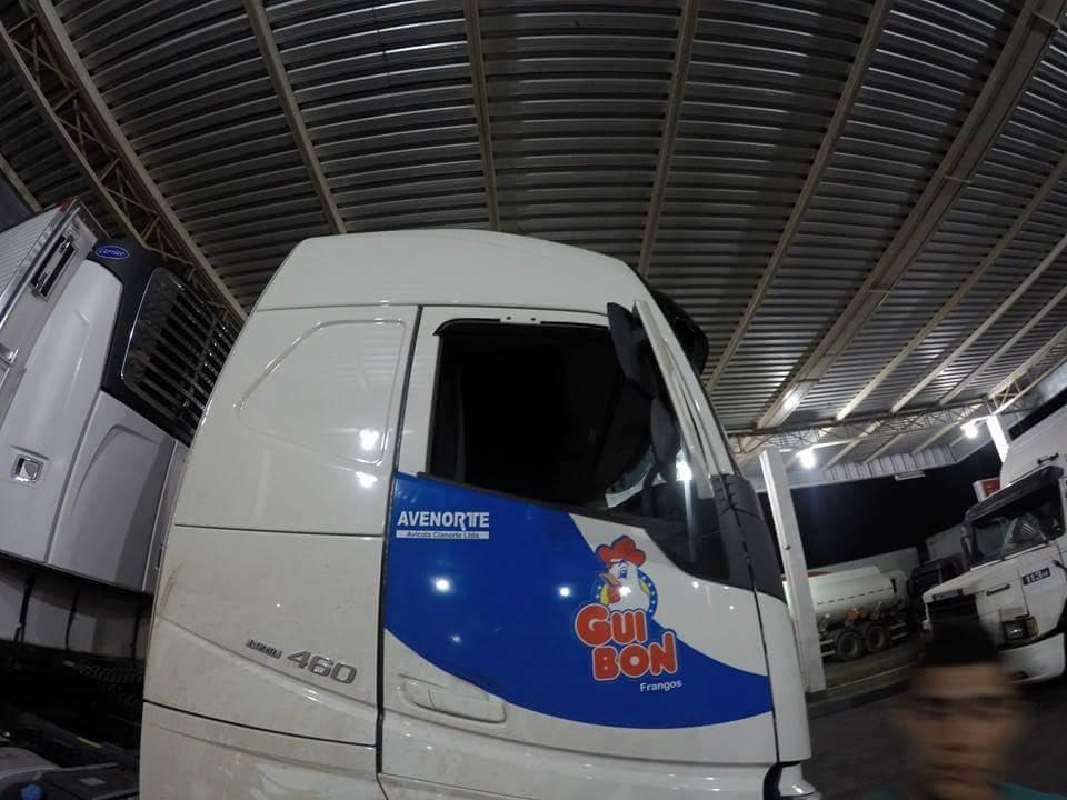 Wybita szyba podczas napadu na kierowcę ciężarówki.