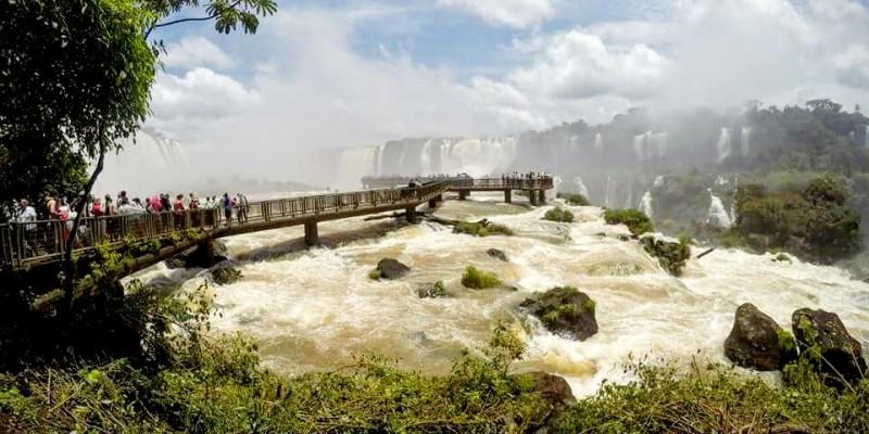 Wodospady Iguazu – cud natury na styku Brazylii i Argentyny