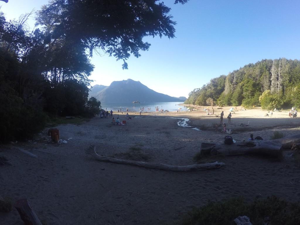 Plaża z pumeksu.