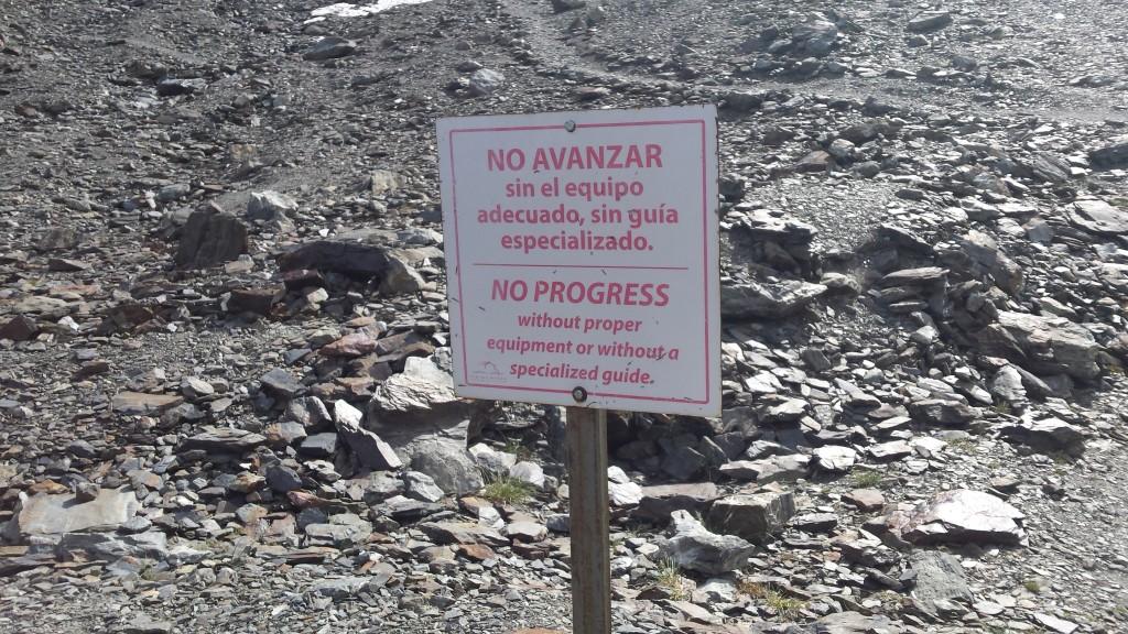 Zakaz wchodzenia na lodowiec.
