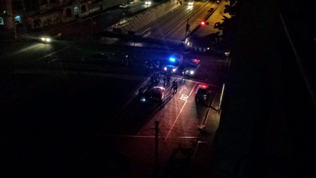 Zabójstwo taksówkarza w Caracas. Widok z okna naszego balkonu.